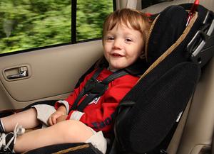 Перевозка детей в кресле
