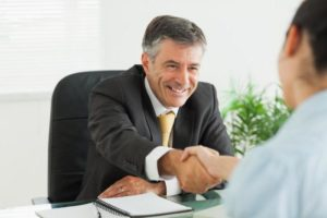Как правильно уволиться каким числом ?
