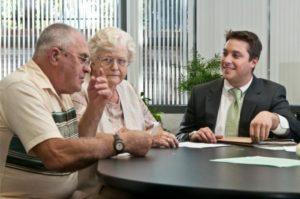 Опекунство над пожилым человеком: как оформить и какие условия