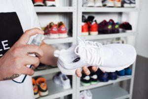 Неприятный запах обуви: как справиться с проблемой?